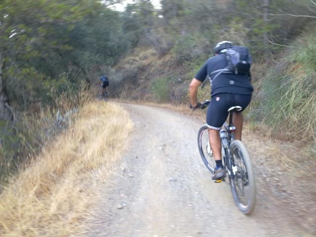 Paseo por los montes y regreso por jotron,verdiales,castañon 16102010