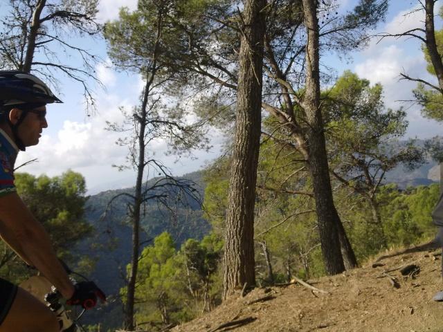 Paseo por los montes y regreso por jotron,verdiales,castañon 16102012