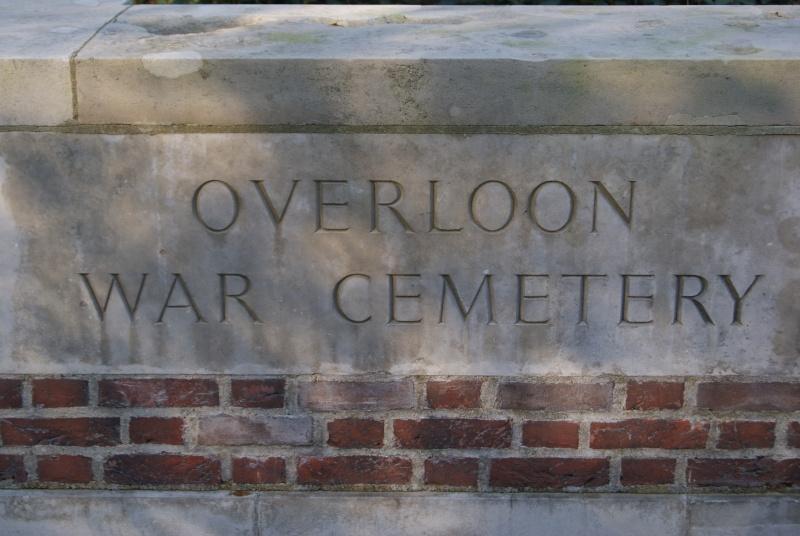 Cimetière WW2 Anglais - Overloon ( Hollande ) Dsc01427