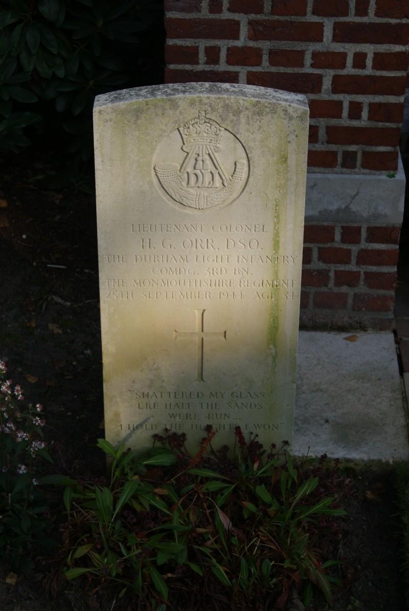 Cimetière WW2 Anglais - Overloon ( Hollande ) Dsc01429