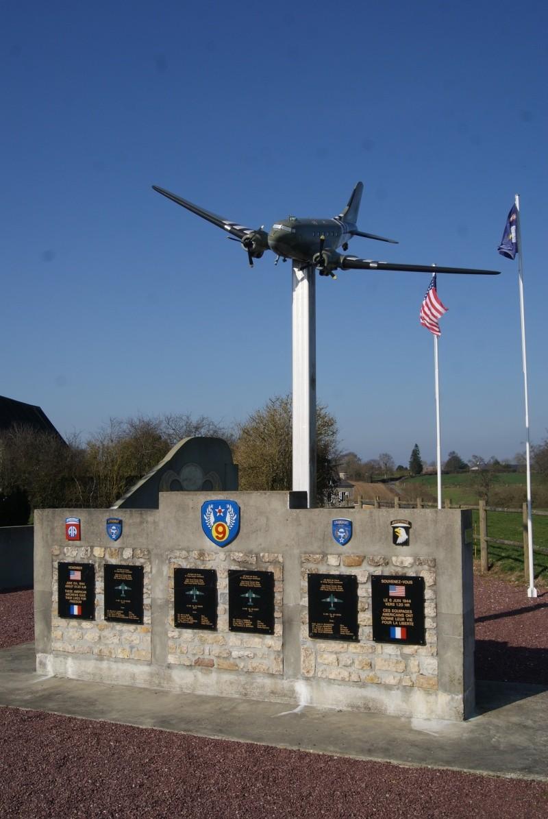 Monument WW2 - Picauville ( Normandie ) Dsc02911
