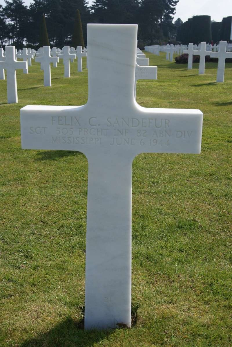 Monument WW2 - Fresville ( Normandie ) Dsc03429