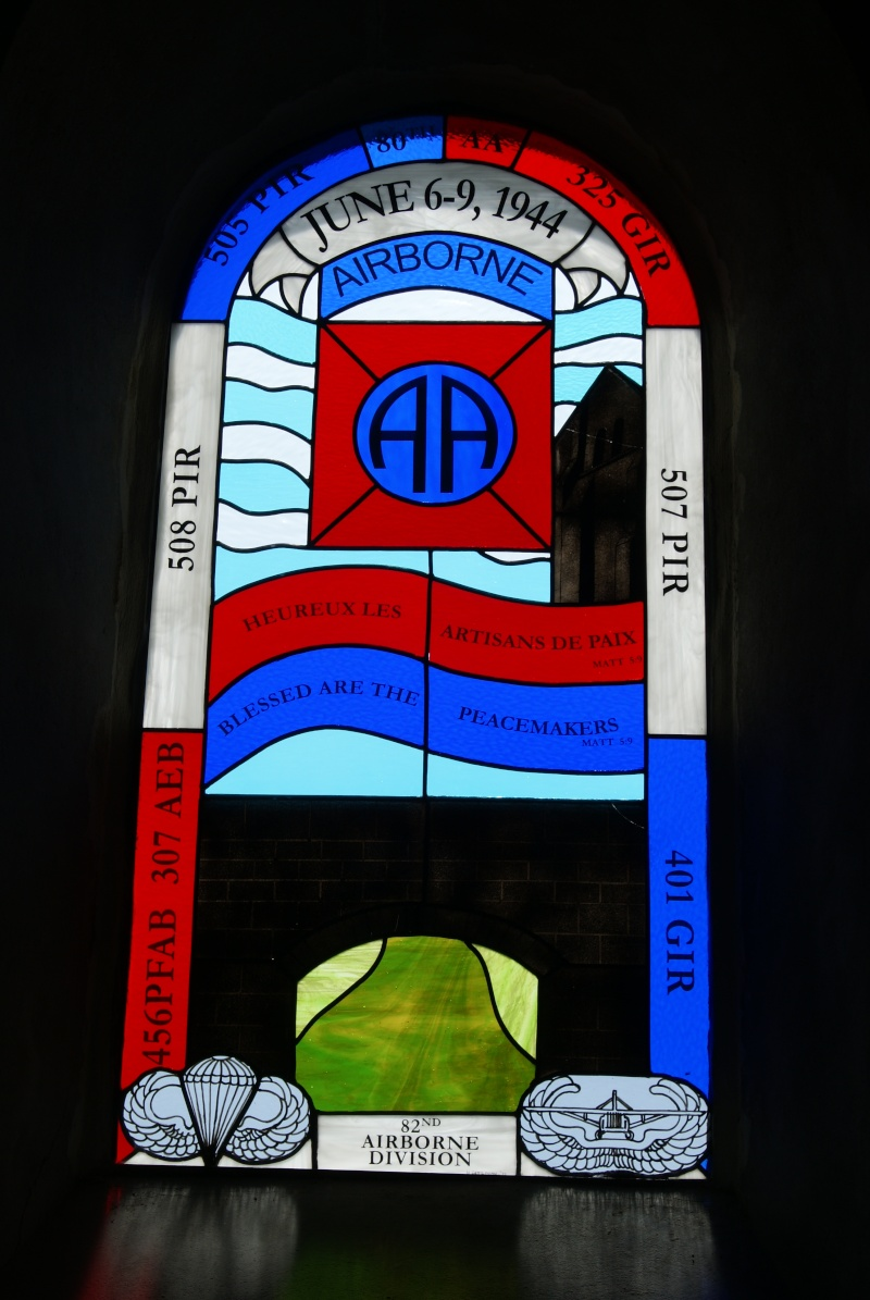 Monument WW2 - Cauquigny  ( Normandie ) Dsc04428
