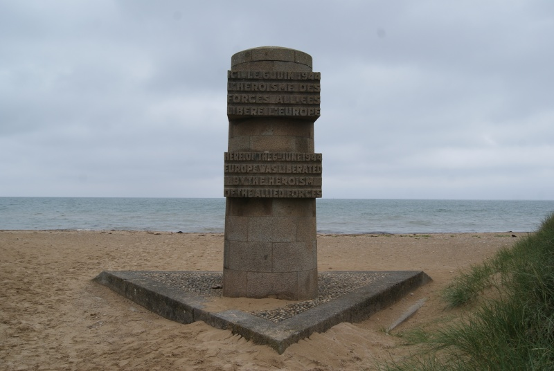 Monument WW2 - Graye sur Mer ( Normandie ) Dsc06819