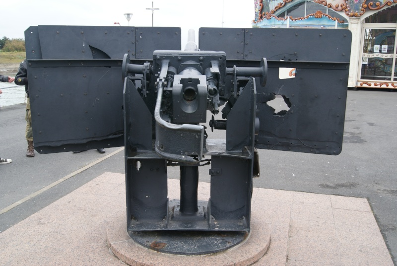 Monument WW2 - Courseulle sur Mer ( Normandie ) Dsc06922