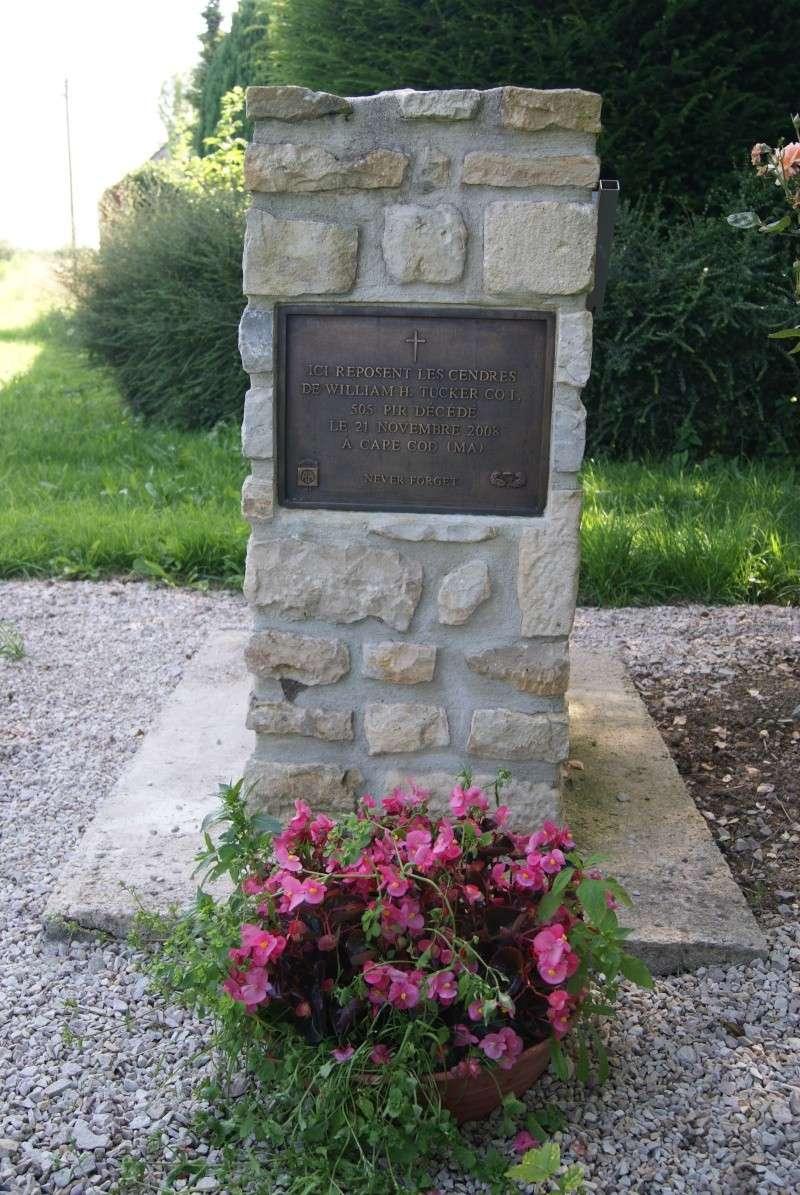 Monument WW2 - Fresville ( Normandie ) Dsc08815