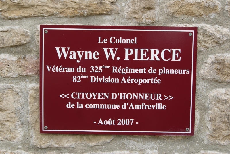 Monument WW2 - Cauquigny  ( Normandie ) Dsc08913