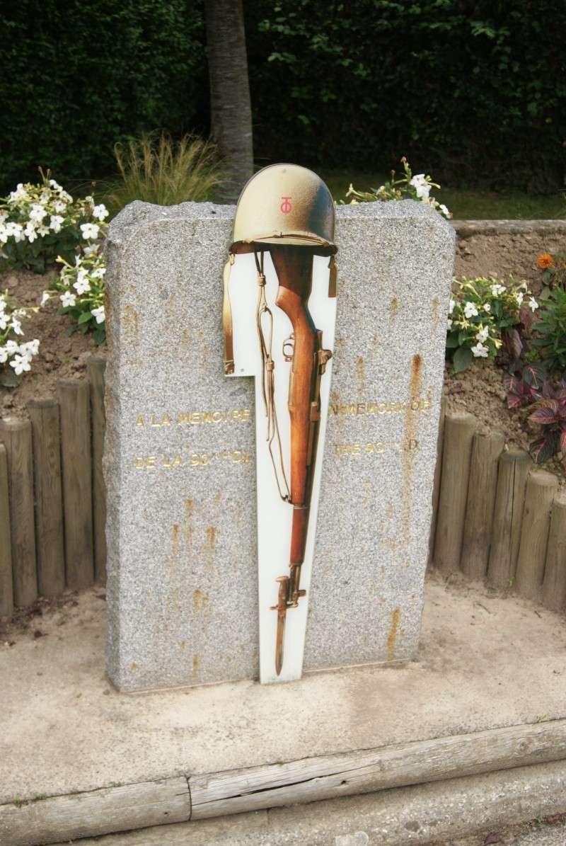Monument WW2 - Pont l'Abbé ( Normandie ) Dsc09011