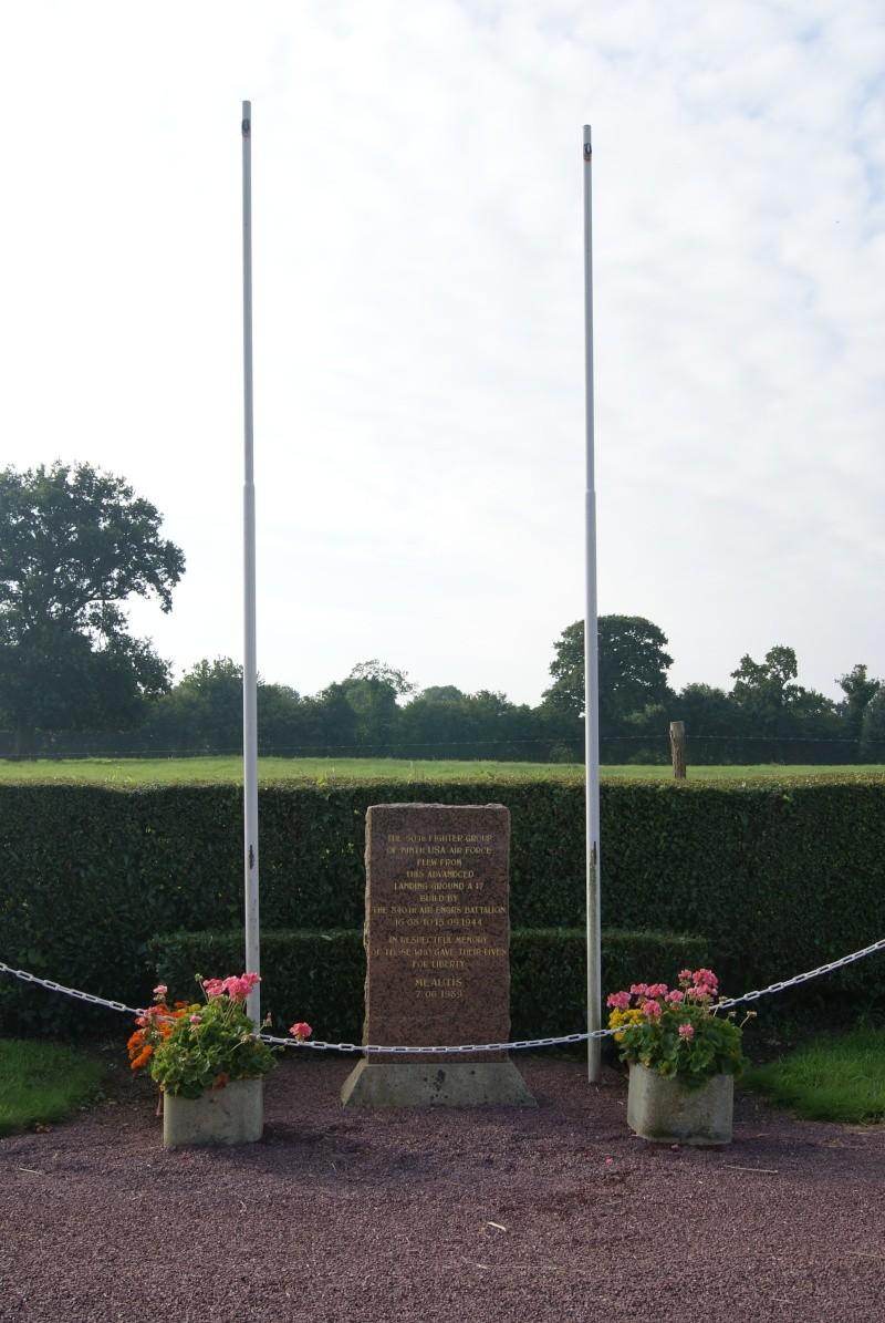 Monument WW2 - Meautis ( Normandie ) Dsc09621