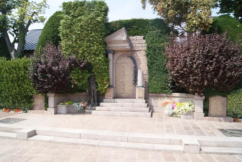 Monuments WW2 dédiés à la Brigade Piron. ( Normandie ) Dsc09926