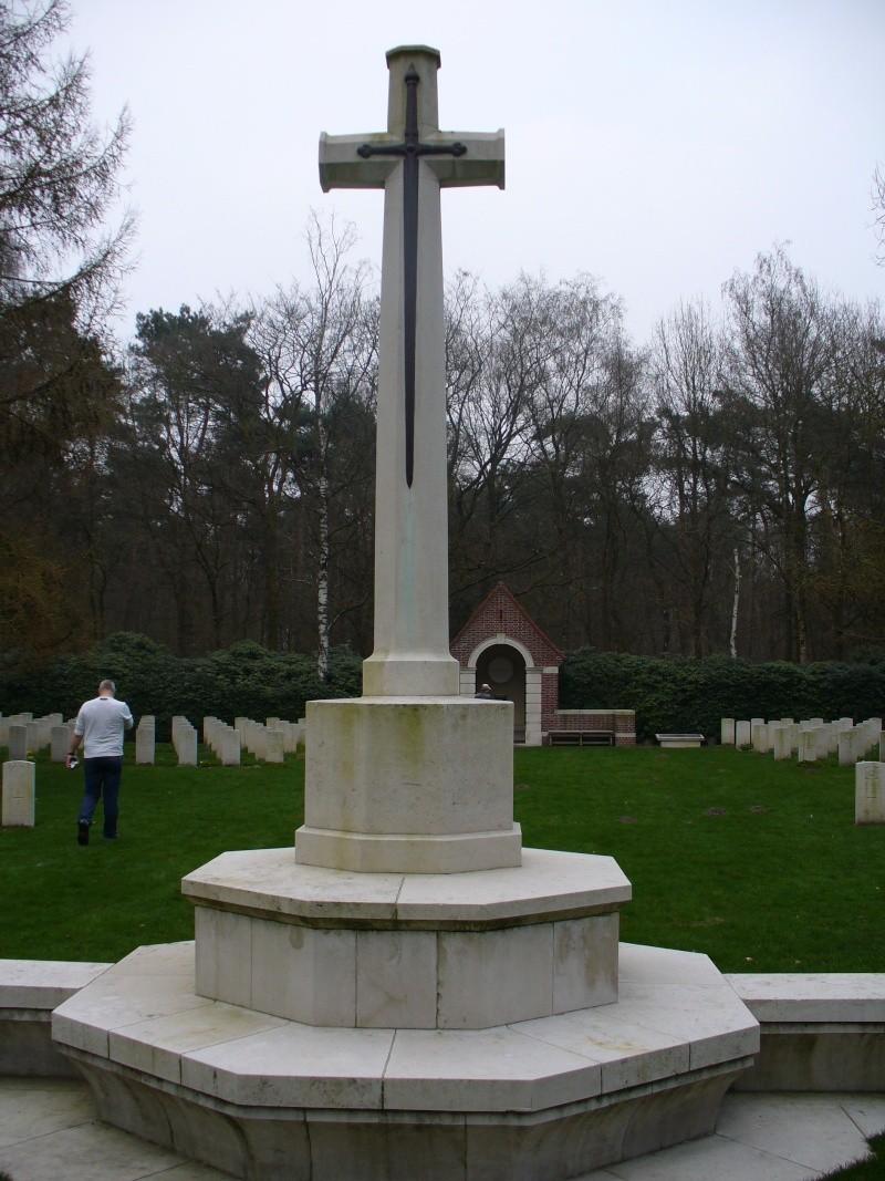 Cimetière WW2 Anglais - Overloon ( Hollande ) P1030111