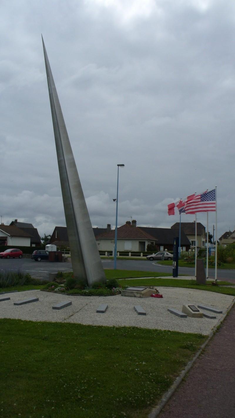 Monument WW2 - Lion-sur-Mer ( Calvados - Normandie ) P1080119