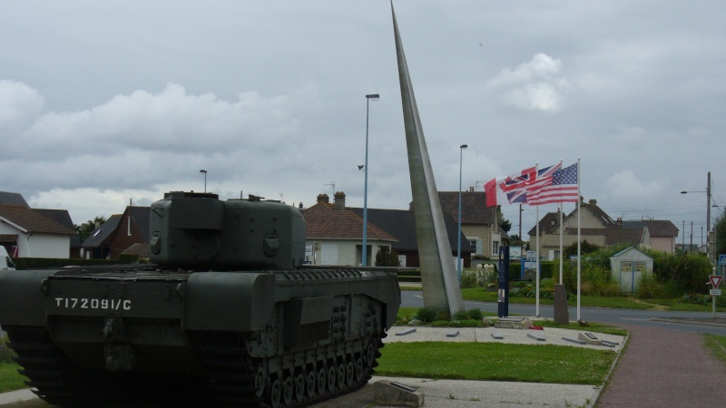 Monument WW2 - Lion-sur-Mer ( Calvados - Normandie ) P1080217