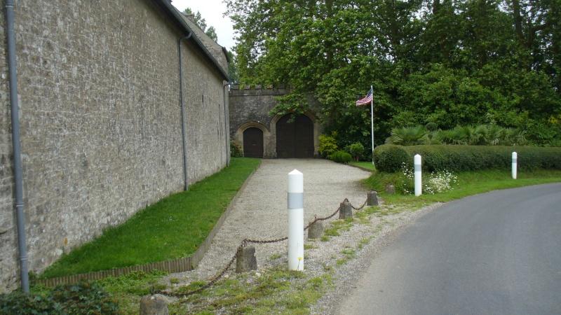 Monument WW2 - Yvetot-Bocage ( Normandie ) P1080315