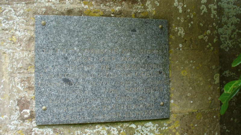 Monument WW2 - Yvetot-Bocage ( Normandie ) P1080316