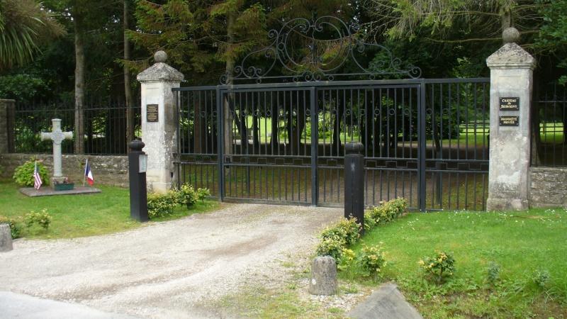 Monument WW2 - Yvetot-Bocage ( Normandie ) P1080412