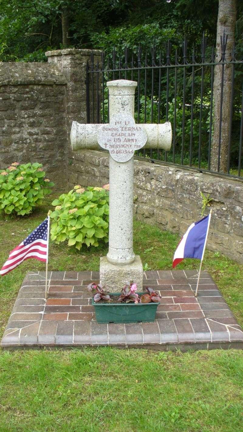 Monument WW2 - Yvetot-Bocage ( Normandie ) P1080413