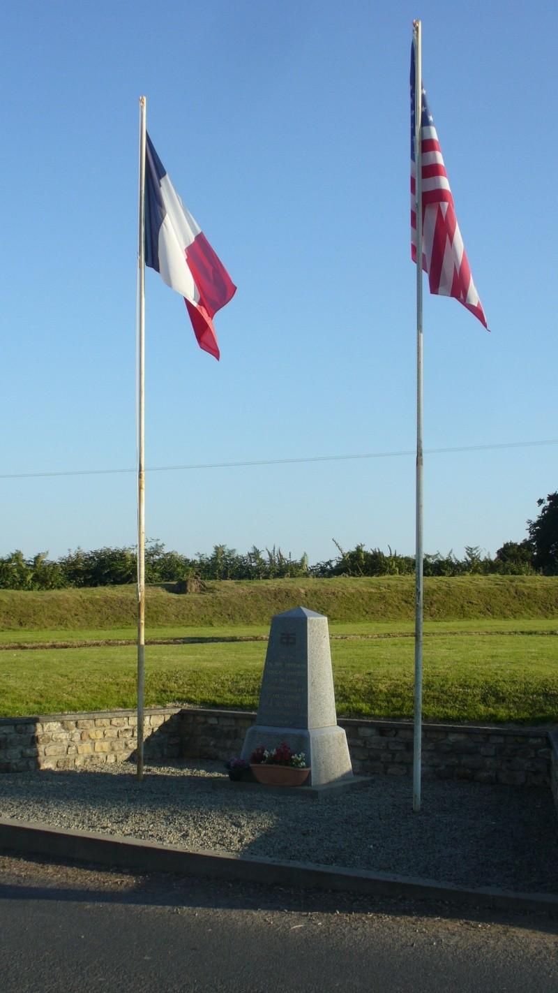 Monument WW2 - Le Plessis-Lastelle ( Manche - Normandie ) P1080424