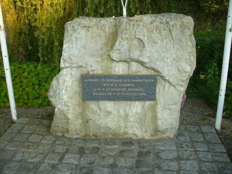 Monument WW2 - Lithaire ( Manche - Normandie ) P1080427