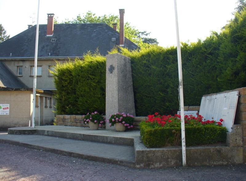 Monument WW2 - Périers ( Manche - Normandie ) P1080520