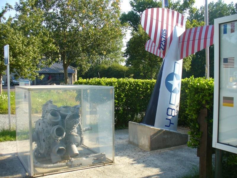 Monument WW2 - Le Mesnilbus ( Manche - Normandie ) P1080526