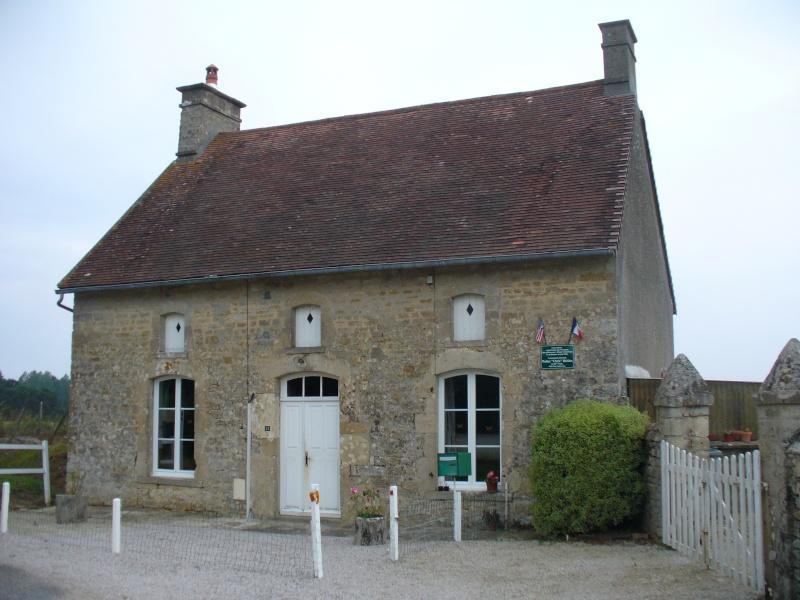 Monument WW2 - Amfreville ( France ) P1080613