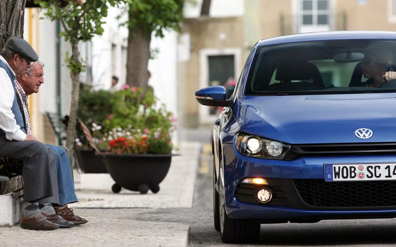 Volkswagen lanza en Gran Bretaña la versión base del Scirocco 2009_v10