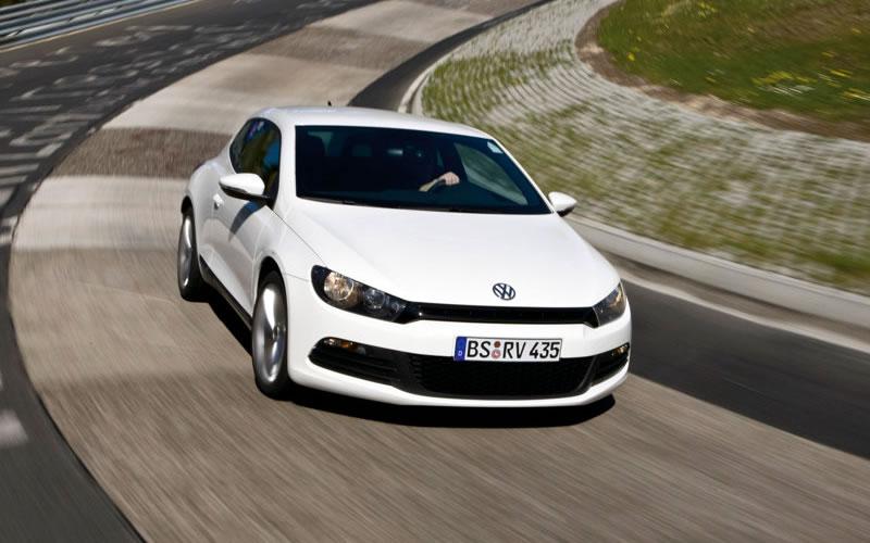 Volkswagen lanza en Gran Bretaña la versión base del Scirocco 2009_v11