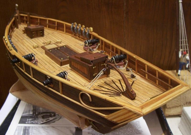 Cotre  de  contrebande 1780   (ex Camaret , 1/35e  kit  constructo  100_4293