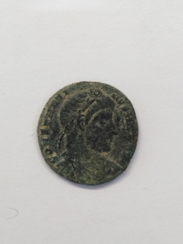 AE3 de Constantino I. GLORIA EXERCITVS. Soldados entre 2 estandartes. Aquilea Img_2015