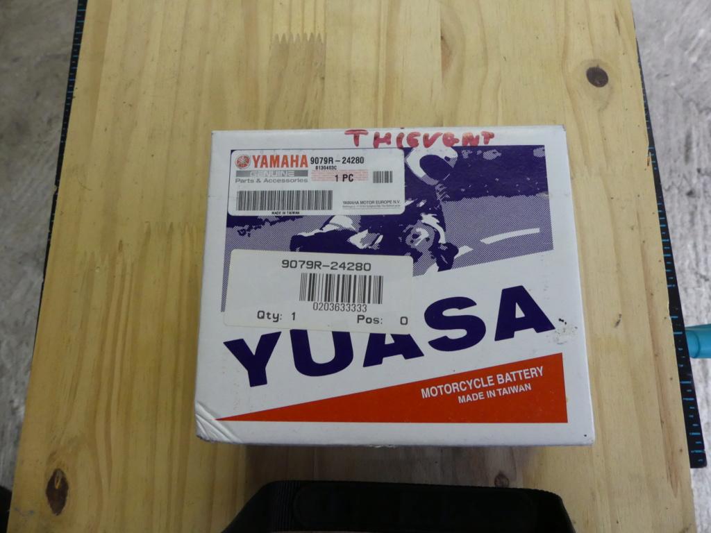 batterie yuasa  P1000219