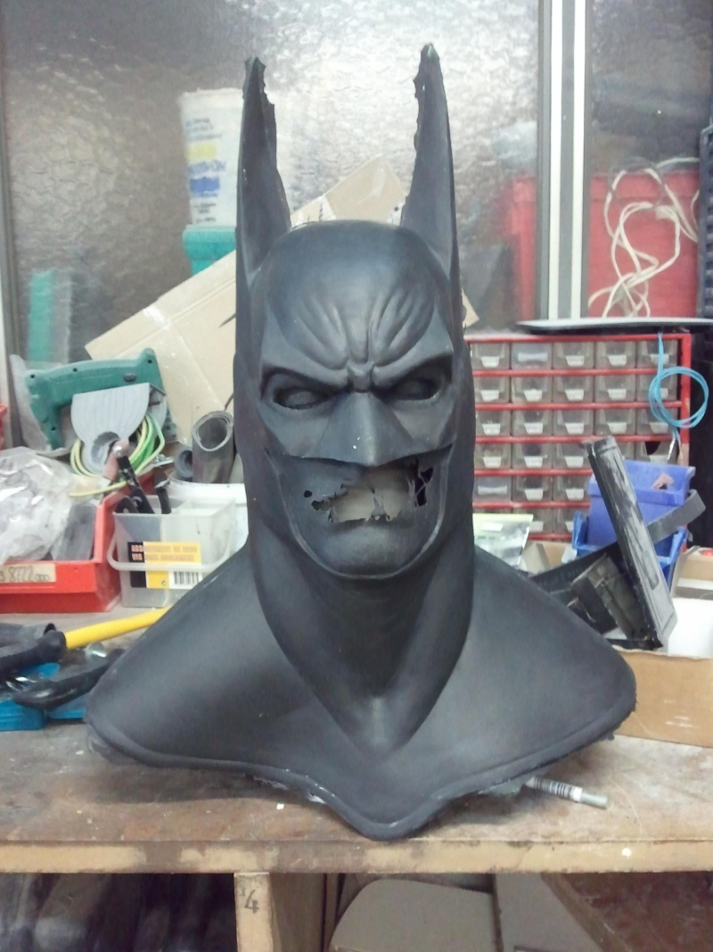 my batman mask bust ! Photo211