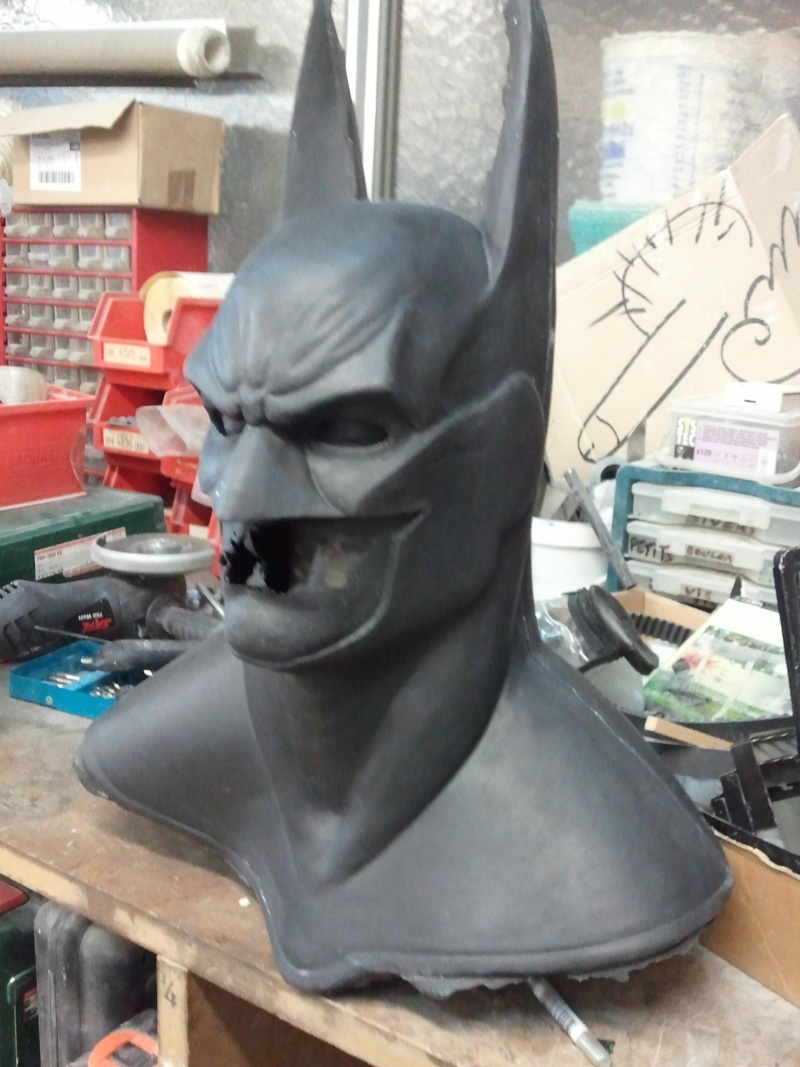 my batman mask bust ! Photo219