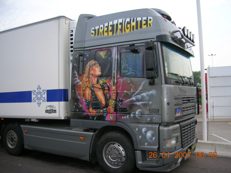 les beaux Camions !!!! Dscn0735