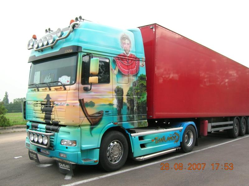 les beaux Camions !!!! Dscn1129