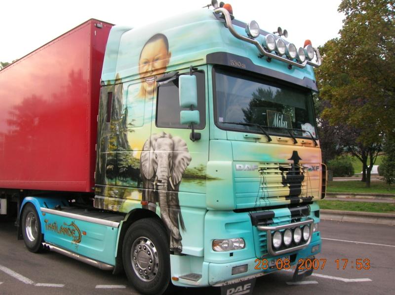 les beaux Camions !!!! Dscn1130
