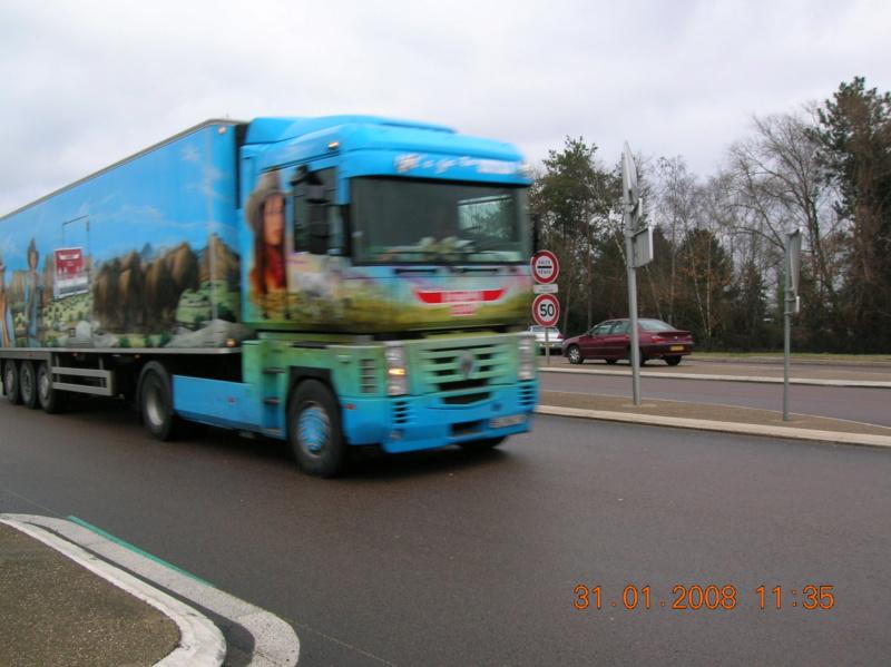 les beaux Camions !!!! Dscn1538