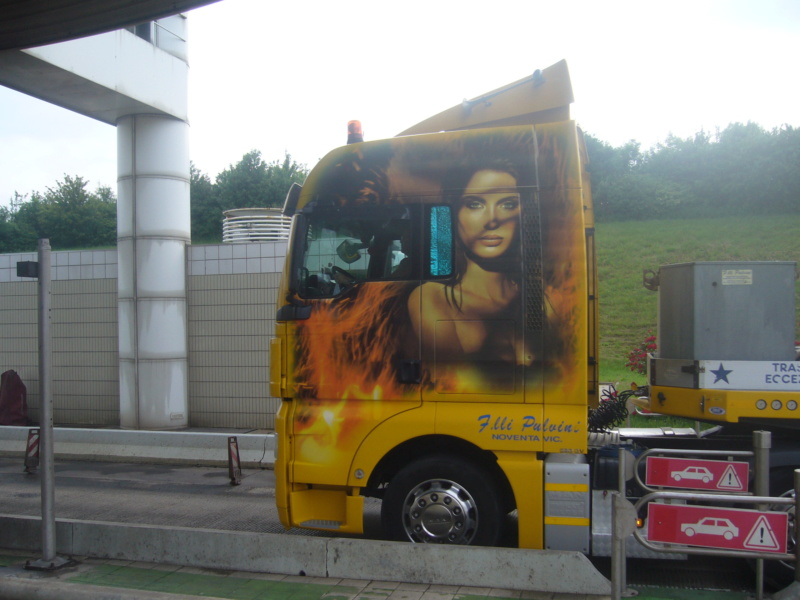 les beaux Camions !!!! P1070110
