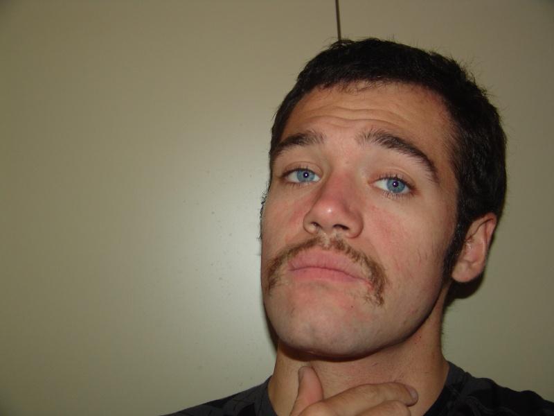 on se motive pour Movember Dsc01810