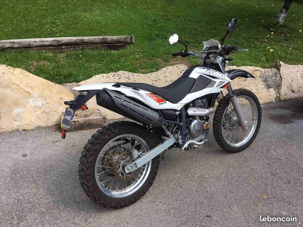 La CRF250L, la TTR 250, bref, les trails/enduro légers....quelqu'un a déjà essayé ? Et la Beta Alp 200cc....? - Page 19 84956010