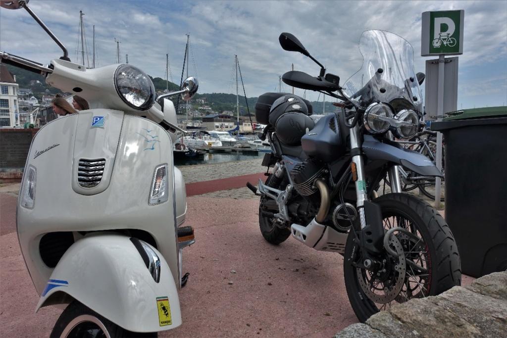Et si j'achetais aussi une moto moderne ? - Page 2 Dsc03410