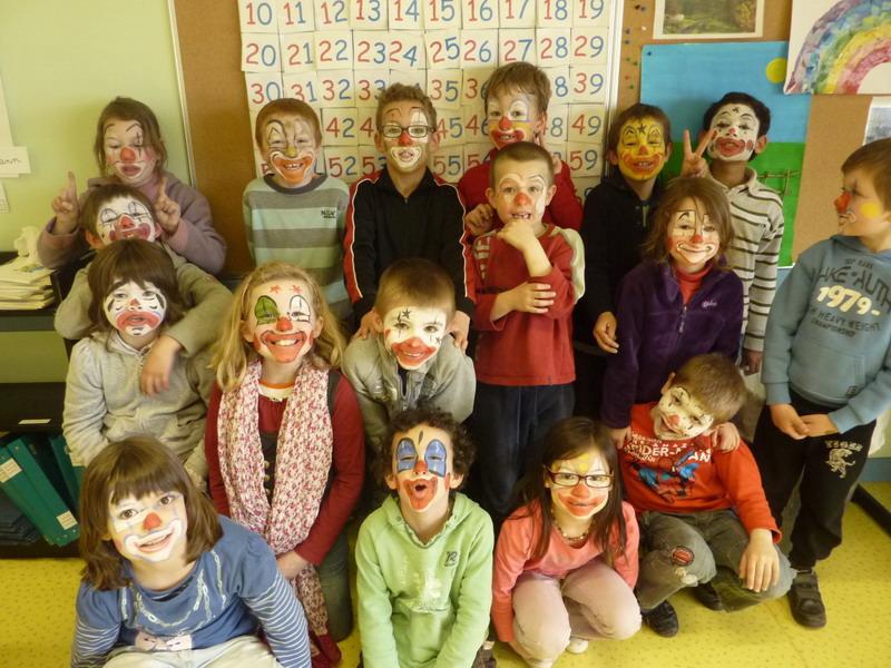 Spectacle de cirque à l'école Lazennec Cirque11