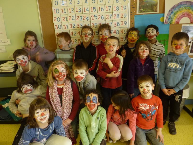 Spectacle de cirque à l'école Lazennec Cirque13