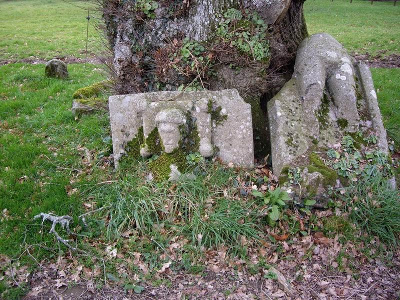 Le gisant d'un ancien chevalier de la famille de Kerret Imgp4211