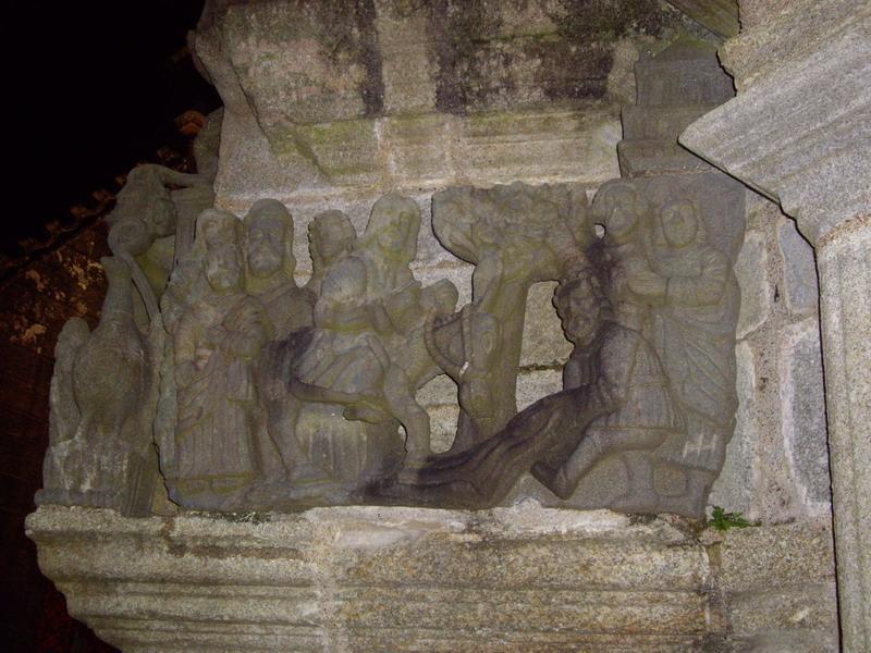 Quand les calvaires s'illuminent ... à Plougonven et Guimiliau (2011), à Plougastel et Saint Thégonnec (2012), à Tronoën et Guéhenno (2013) Imgp6813