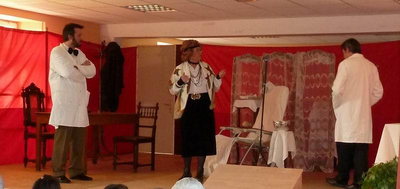 """Théâtre à Brasparts : """"Hortense a dit : Je m'en fous ..."""" P1000213"""
