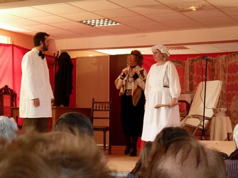 """Théâtre à Brasparts : """"Hortense a dit : Je m'en fous ..."""" P1000224"""