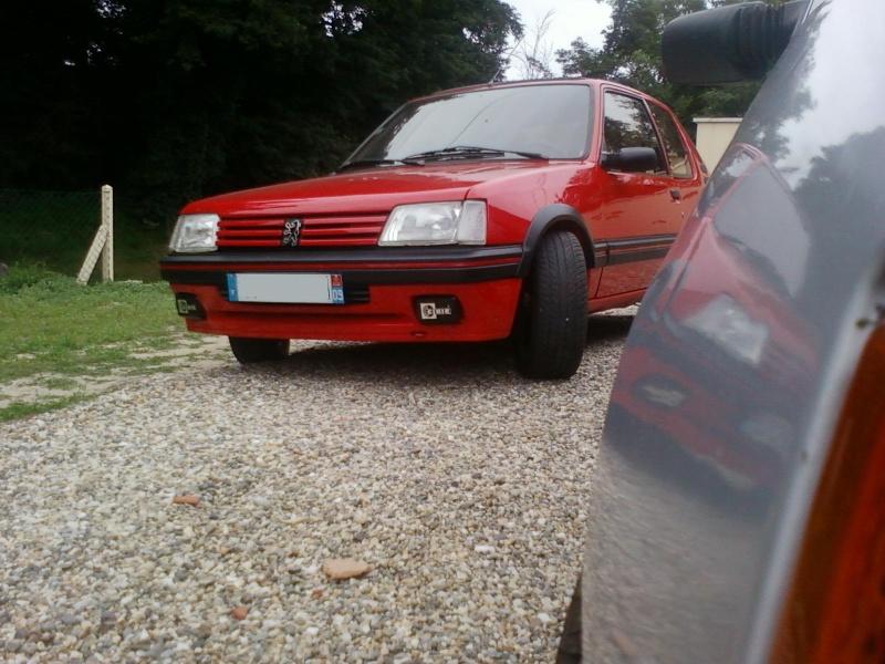 [ptitcheche33] 205 GTI 1.6L 115cv Rouge Vallelunga 1987 205_gt39