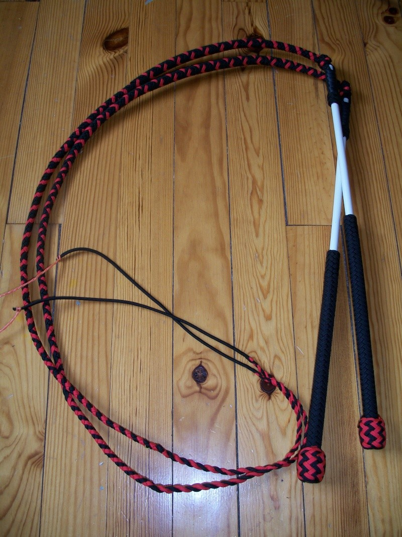 Mes nouveaux jouets : 5ft paracord stockwhips pair made in france ! 100_4810