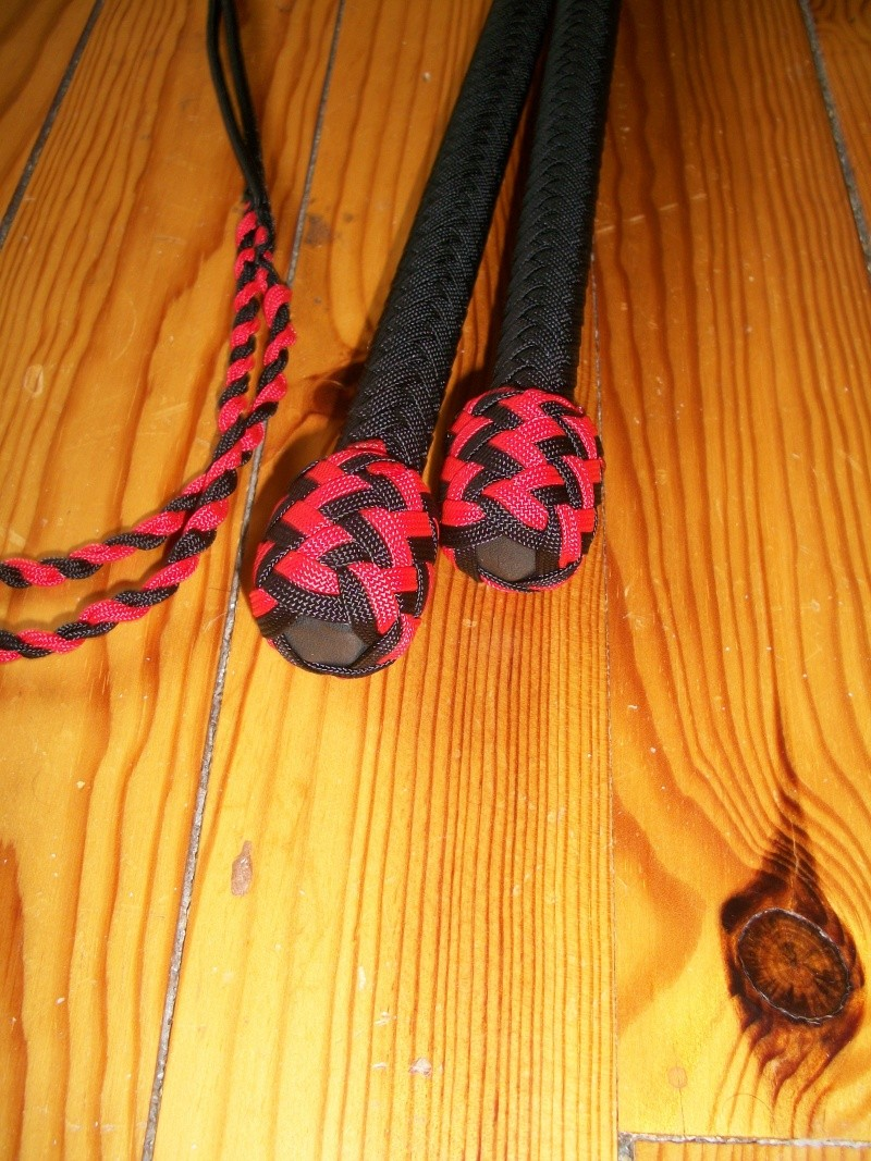Mes nouveaux jouets : 5ft paracord stockwhips pair made in france ! 100_4811
